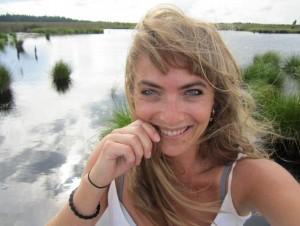 Laetitia Theunis, journaliste & reporter, toxicologue en environnement et océanographe.